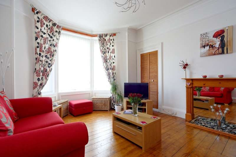 2 Bedrooms Ground Flat for sale in Fairyhill Road, Kilmarnock, East Ayrshire, KA1 1TA