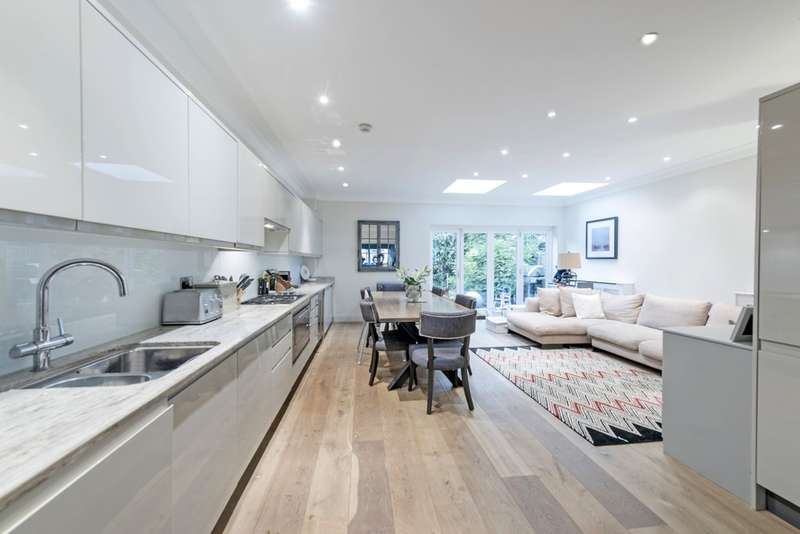 5 Bedrooms Terraced House for sale in Alfriston Road, Battersea, London