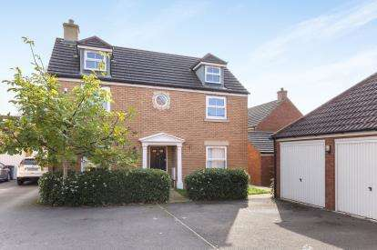 4 Bedrooms Detached House for sale in Bodenham Field, Abbeymead, Gloucester, Gloucestershire