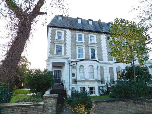 1 Bedroom Flat for sale in Maple Road, Surbiton