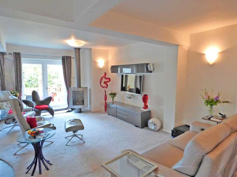 3 Bedrooms Bungalow for sale in Hamilton Road, Cockfosters, Barnet
