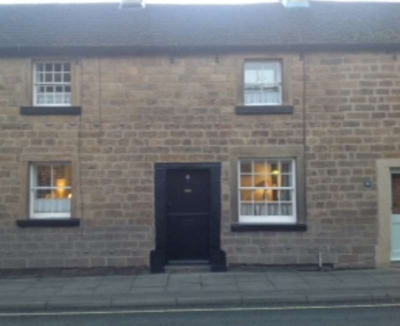 2 Bedrooms Terraced House for sale in 5 Victoria Cottages, Buxton Road, Bakewell, Derbyshire, DE45 1DA
