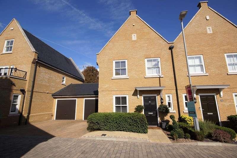 3 Bedrooms Semi Detached House for sale in Gunners Rise, Shoeburyness, Shoebury Garrison