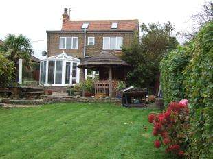 4 Bedrooms Detached House for sale in Manchester Road, Ninfield, Battle, East Sussex