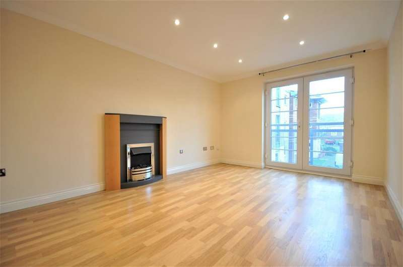 2 Bedrooms Apartment Flat for sale in Hollinshead House, Bailey Avenue, St Annes, Lancashire, FY8 1FG