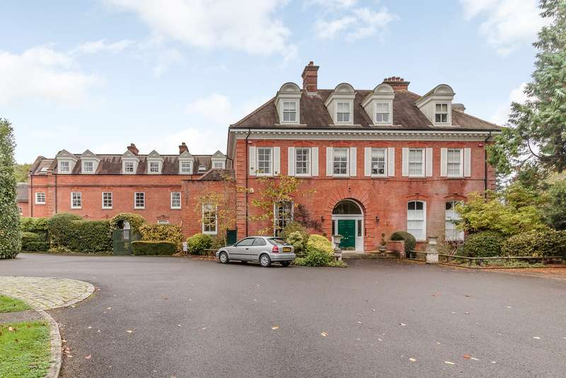 2 Bedrooms Apartment Flat for sale in Cranleigh