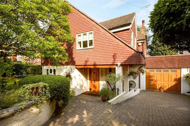 3 Bedrooms Detached House for sale in Ruxley Crescent, Claygate, Esher, Surrey, KT10
