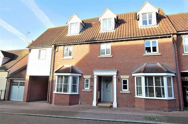 6 Bedrooms Semi Detached House for sale in Flitch Green, Dunmow, Essex