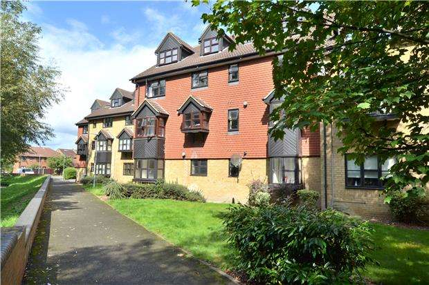 1 Bedroom Flat for sale in Caversham House, BEDDINGTON, CR0 4TX