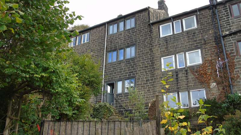 2 Bedrooms Terraced House for sale in 27/39 Lees Road, Hebden Bridge, HX7