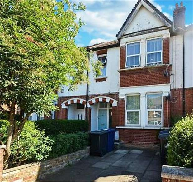 3 Bedrooms Flat for sale in Windmill Road, London