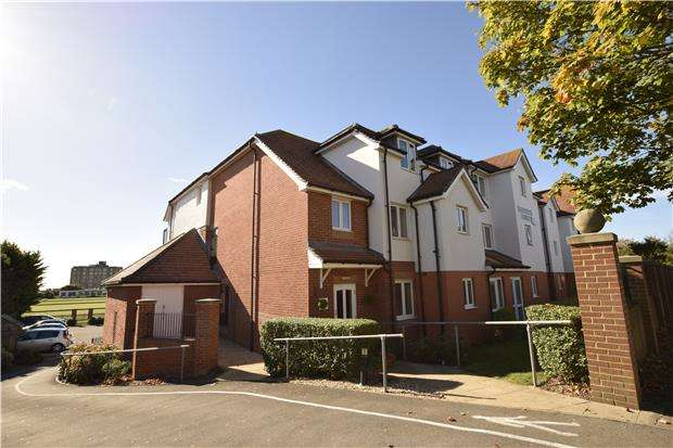 1 Bedroom Flat for sale in Cooden Drive, BEXHILL-ON-SEA, East Sussex, TN39 3DB