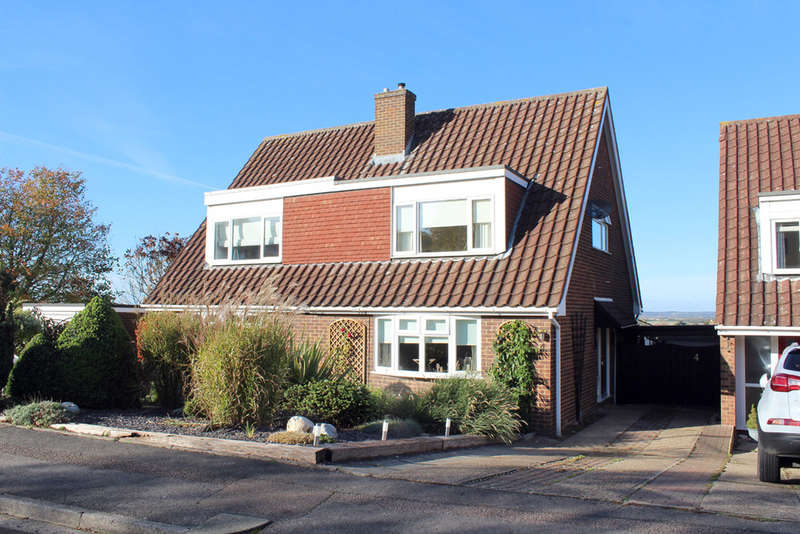 2 Bedrooms Semi Detached House for sale in Parthia Close, Royston