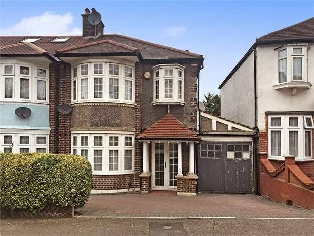 3 Bedrooms End Of Terrace House for sale in Hillside Gardens, Walthamstow, London