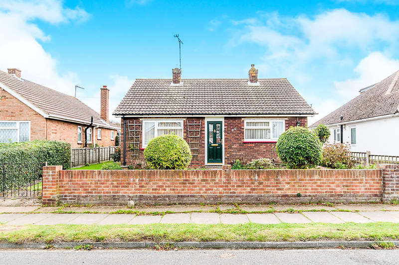 2 Bedrooms Detached Bungalow for sale in Osborne Gardens, Herne Bay, CT6