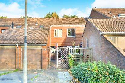 2 Bedrooms Terraced House for sale in Crosslands, Stantonbury, Milton Keynes