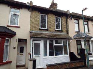 3 Bedrooms Terraced House for sale in York Avenue, Gillingham, Kent, .