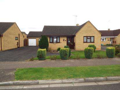 3 Bedrooms Bungalow for sale in Sutton Bridge, Lincs