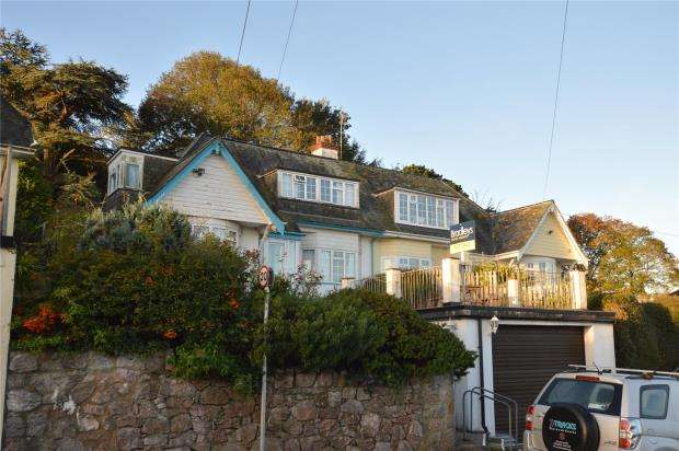 3 Bedrooms Semi Detached House for sale in Broadlands, Shaldon, Devon