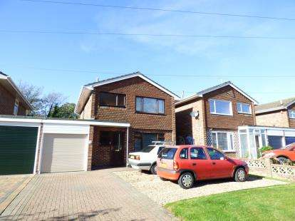 3 Bedrooms Detached House for sale in Gosport, Hampshire