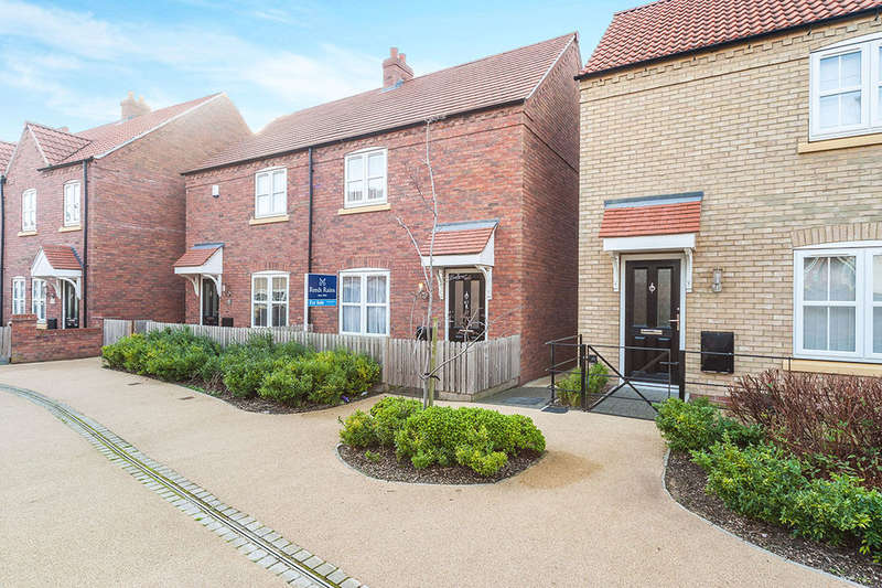 2 Bedrooms Terraced House for sale in Attringham Park, Kingswood, Hull, HU7