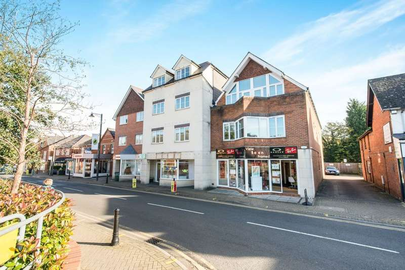 2 Bedrooms Flat for sale in Alpha House, Napier Road, RG45 7AU