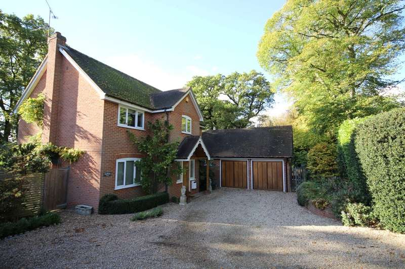 4 Bedrooms Detached House for sale in Blounts Court Road, Peppard Common, Henley-On-Thames, RG9