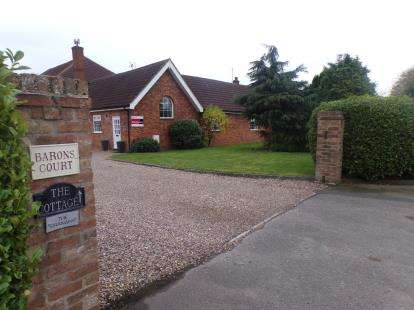 4 Bedrooms Barn Conversion Character Property for sale in Retford Road, Boughton, Newark, Nottinghamshire
