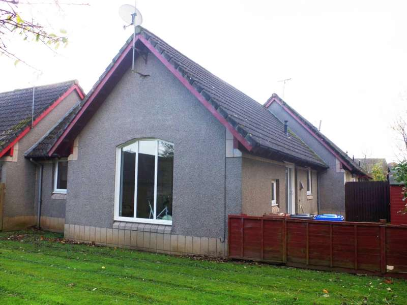 2 Bedrooms Bungalow for sale in 46 Muirfield Place, Kilwinning, KA13 6NZ