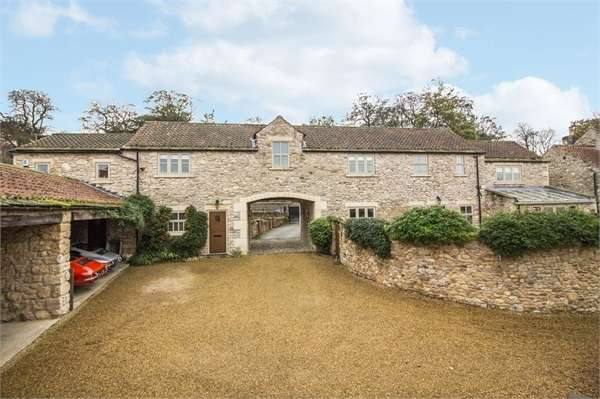 5 Bedrooms Detached House for sale in The Barn, Park View, Womersley, North Yorkshire