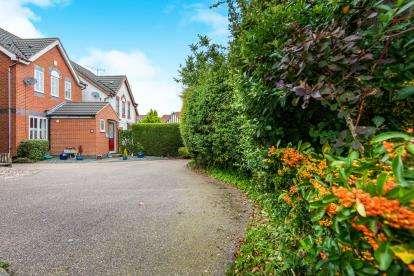 3 Bedrooms Detached House for sale in Dussindale, Norwich, Norfolk