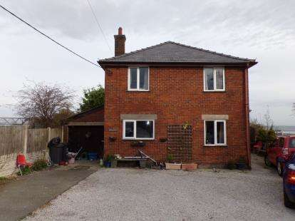 4 Bedrooms Detached House for sale in Pentre Halkyn, Holywell, Flintshire, CH8