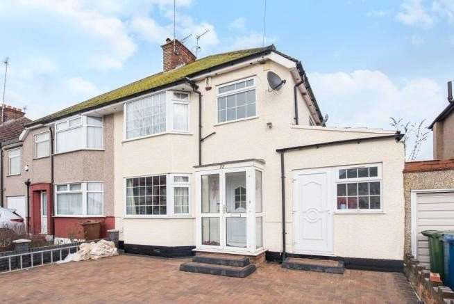 4 Bedrooms Semi Detached House for sale in Pinner Park Gardens, Harrow, Middlesex, HA2