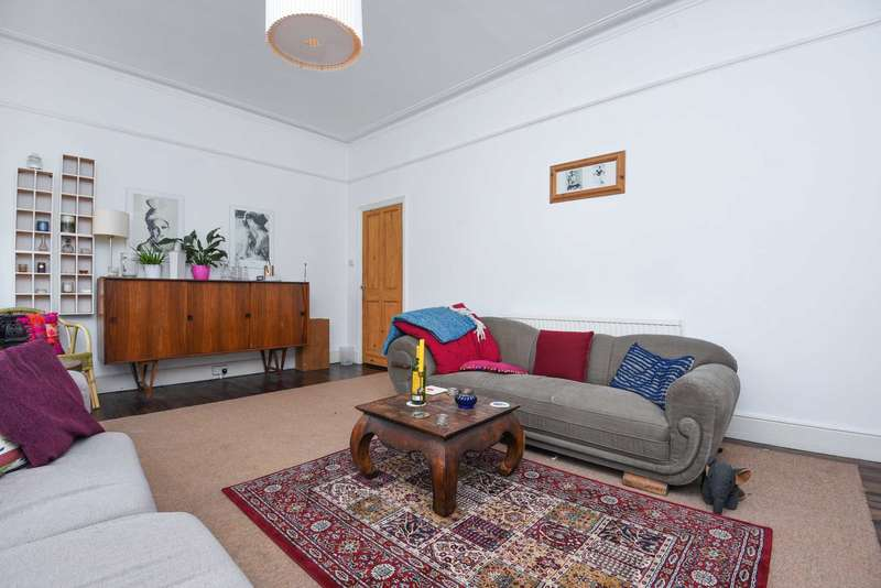 2 Bedrooms Flat for sale in Ostade Road, Brixton, SW2