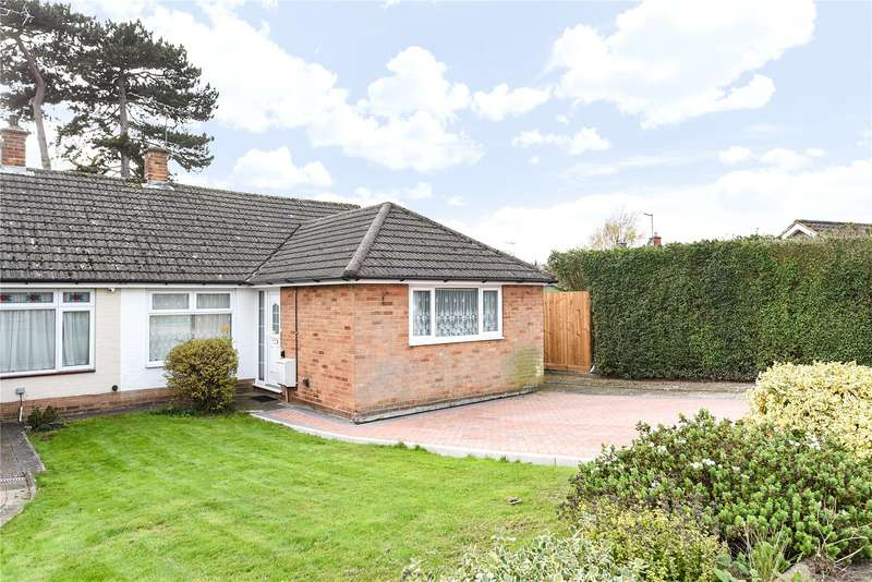 3 Bedrooms Semi Detached Bungalow for sale in Foxleys, Watford, WD19