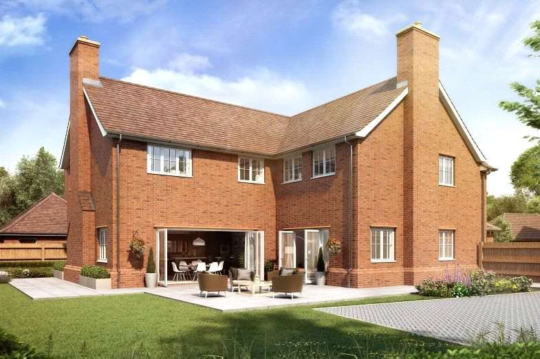 5 Bedrooms Detached House for sale in Crown Gardens, Crown Lane, Farnham Royal, SL2