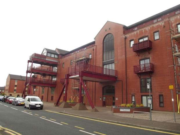 3 Bedrooms Apartment Flat for sale in Navigation Way, Ashton-on-Ribble, Preston, PR2