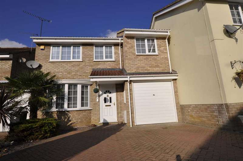 4 Bedrooms Link Detached House for sale in Carriage Drive, Chelmsford