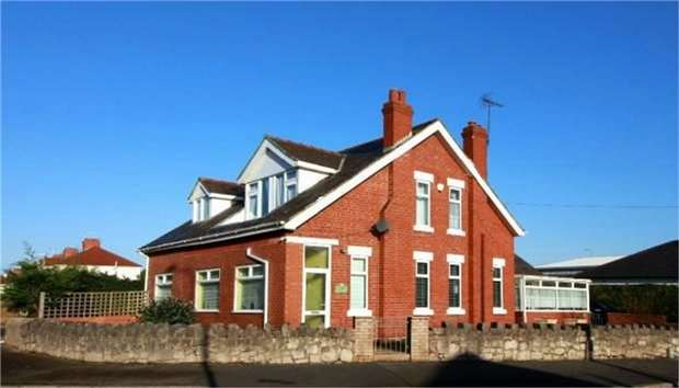 4 Bedrooms Detached House for sale in Marsh Road, Rhyl, Denbighshire
