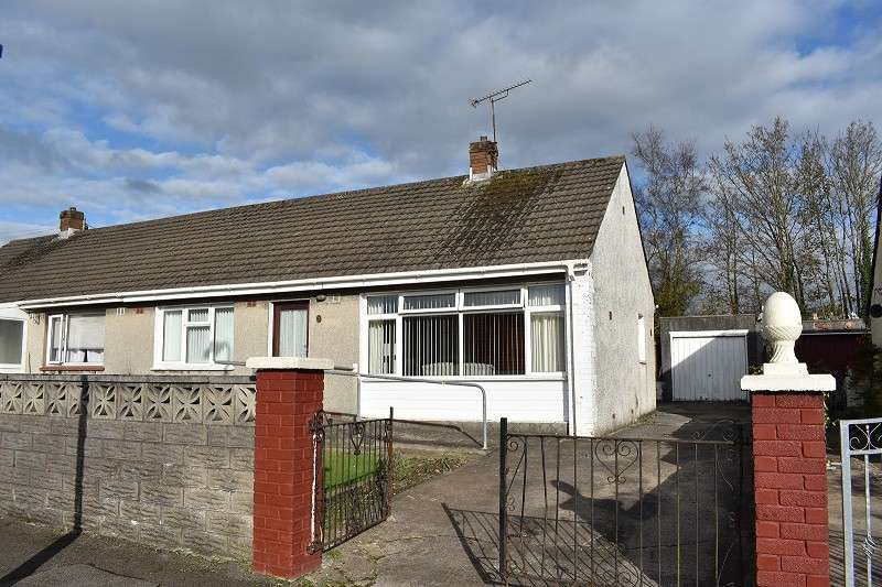 2 Bedrooms Semi Detached Bungalow for sale in Dennis Place, Bryncethin, Bridgend. CF32 9YP