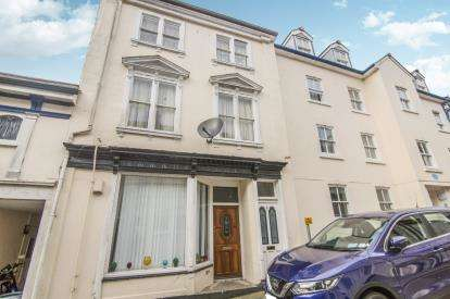 3 Bedrooms Maisonette Flat for sale in Liskeard, Cornwall, Uk