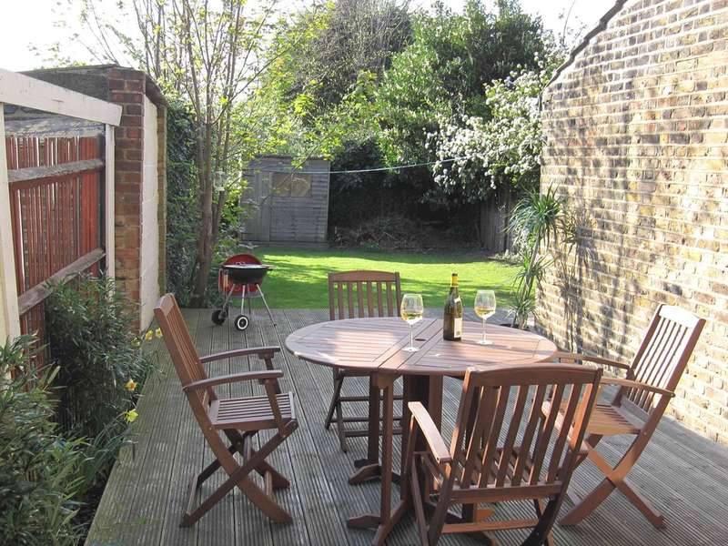 3 Bedrooms Ground Flat for sale in Greenhill Park, Harlesden NW10