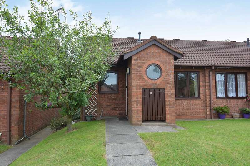 2 Bedrooms Bungalow for sale in Millpool Way, Smethwick, B66