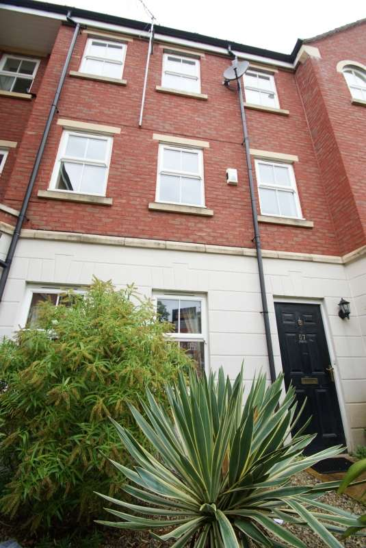 4 Bedrooms Terraced House for rent in Mansion Gate Square, Chapel Allerton, Leeds