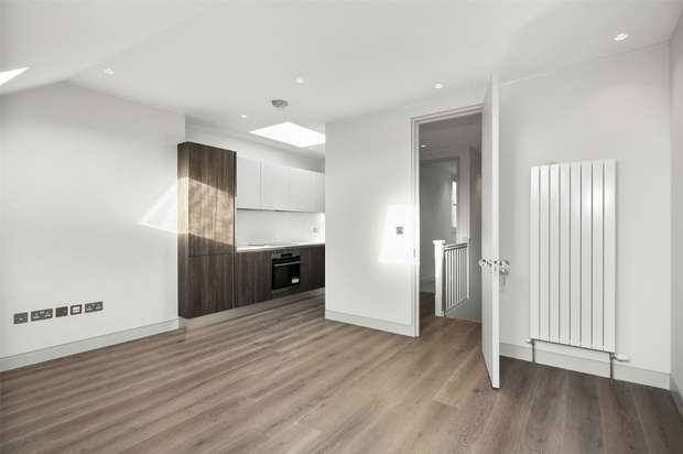 1 Bedroom Flat for sale in Leythe Road, Acton