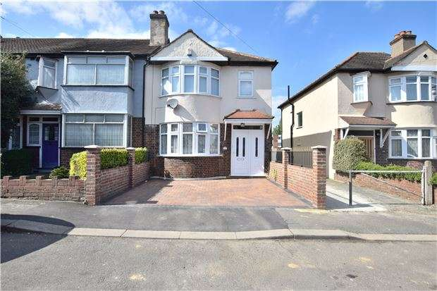 3 Bedrooms End Of Terrace House for sale in Hillfield Avenue, MORDEN, Surrey, SM4 6BA