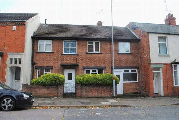 3 Bedrooms Terraced House for sale in Balmoral Road, Kingsthorpe, Northampton NN2 6JZ