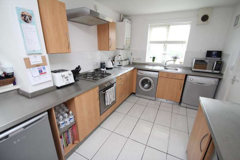 2 Bedrooms End Of Terrace House for sale in Monarchs View, Portslade, East Sussex, BN41 2QG