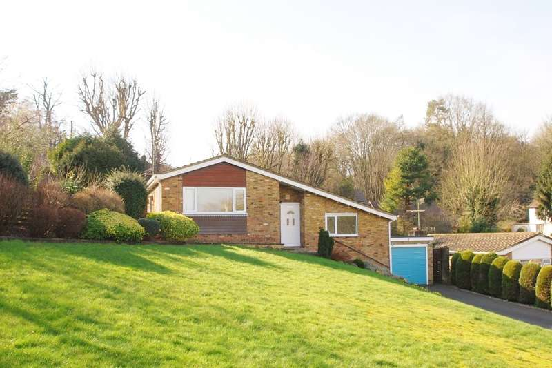 3 Bedrooms Detached Bungalow for rent in Runrig Hill, Chesham Bois, HP6