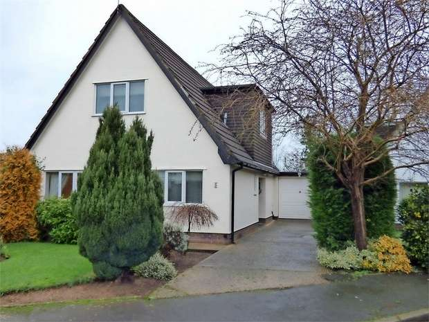 3 Bedrooms Detached House for sale in Fair View, Holt, Wrexham